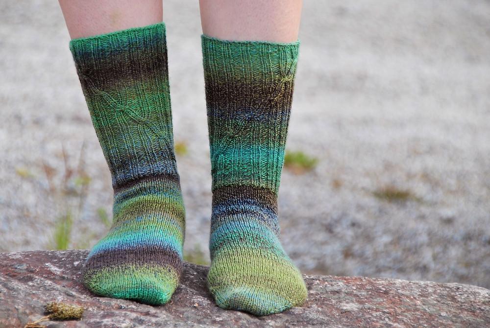 Handspun toe-up socks