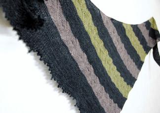 Polar Lights :: shawl knitting pattern