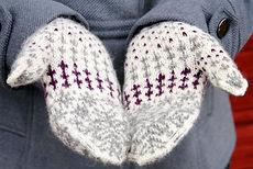 Shortest Day :: mitten knitting pattern