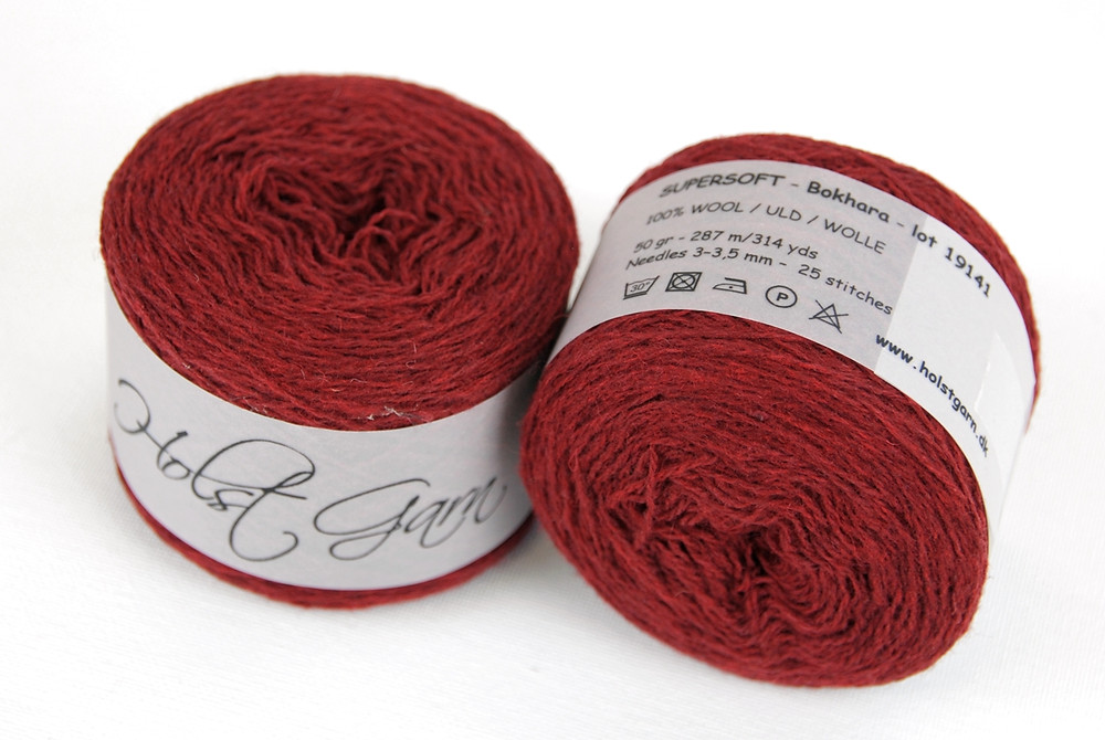 For my contrasting color I used Holst Garn Supersoft in the colorway 'Bokhara'.