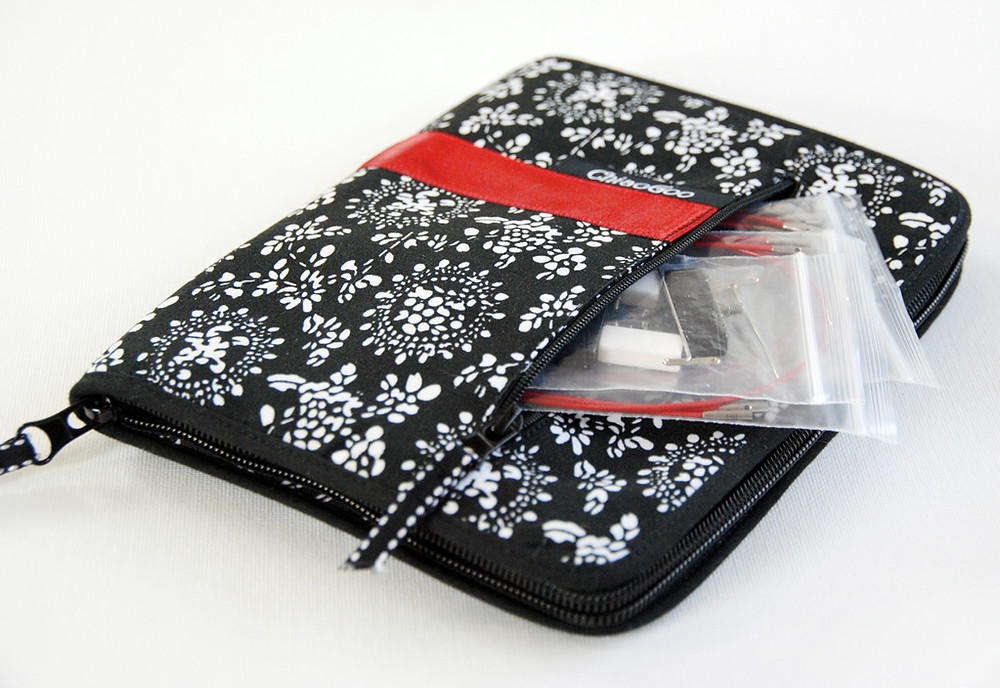The set comes in a zippered canvas case that you can easily tuck in your project bag