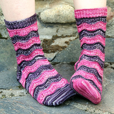 Sorelle :: sock knitting pattern
