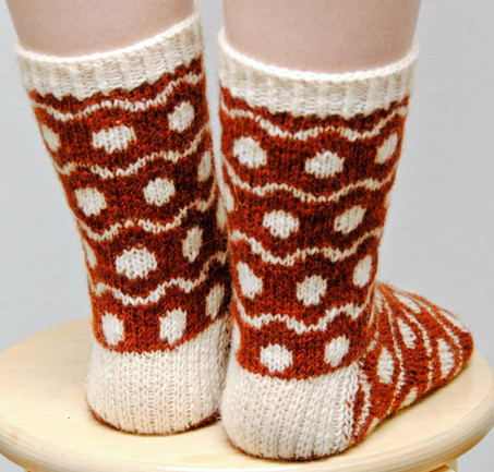 Soft Spots :: sock knitting pattern