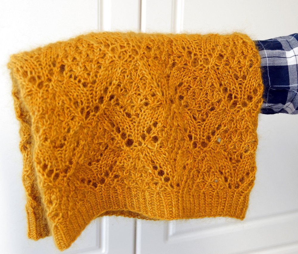 Golden Hour Cowl :: cowl knitting pattern from talvi knits.