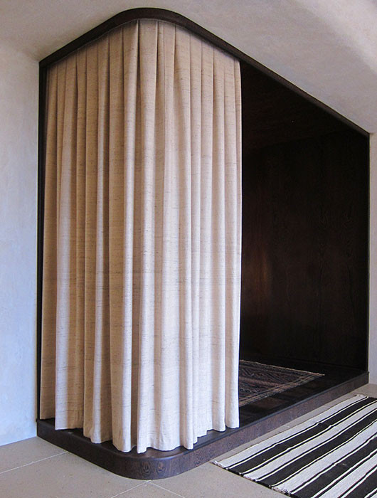 natural-silk-cartridge-pleat-curtain-inv
