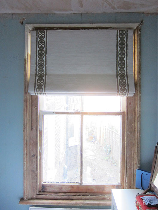 Roman-blind-in-Romo-Kintore-Antique-whit