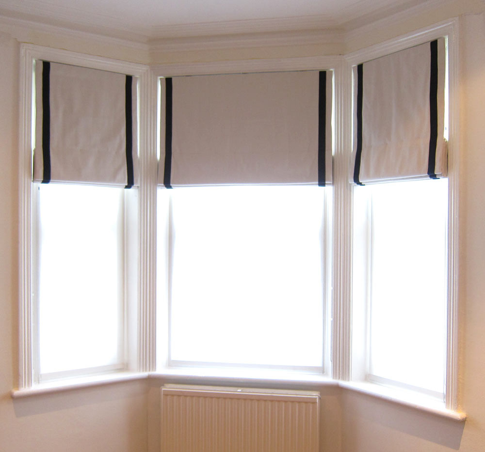 roman-blind-with-contrast-i.jpg