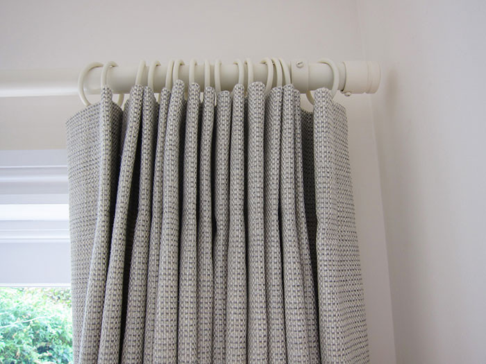 single-pleat-curtain-in-Jane-Churchill-M