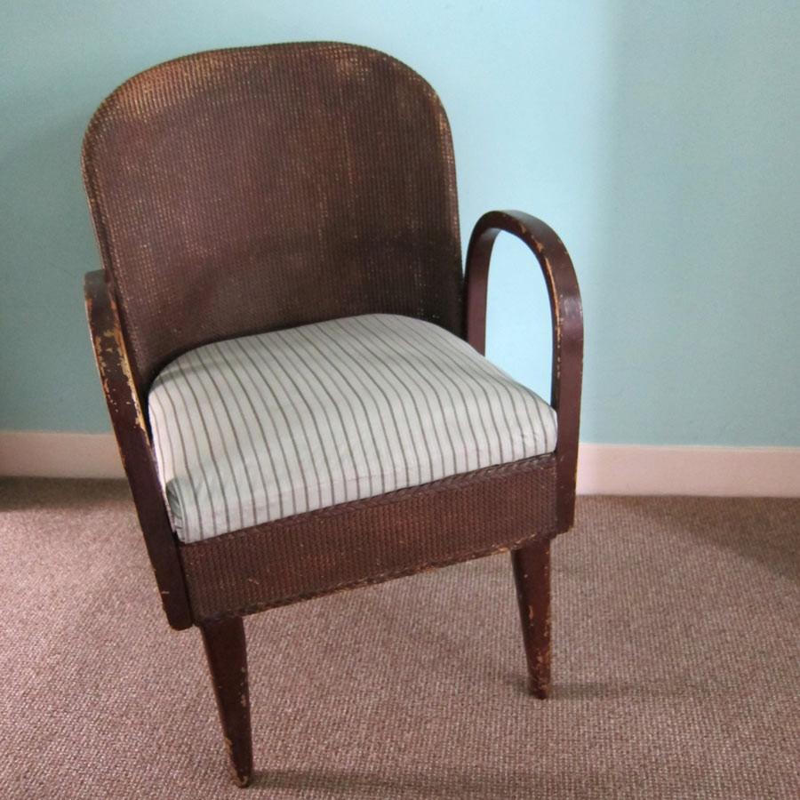 upholstered-wicker-chair.jpg