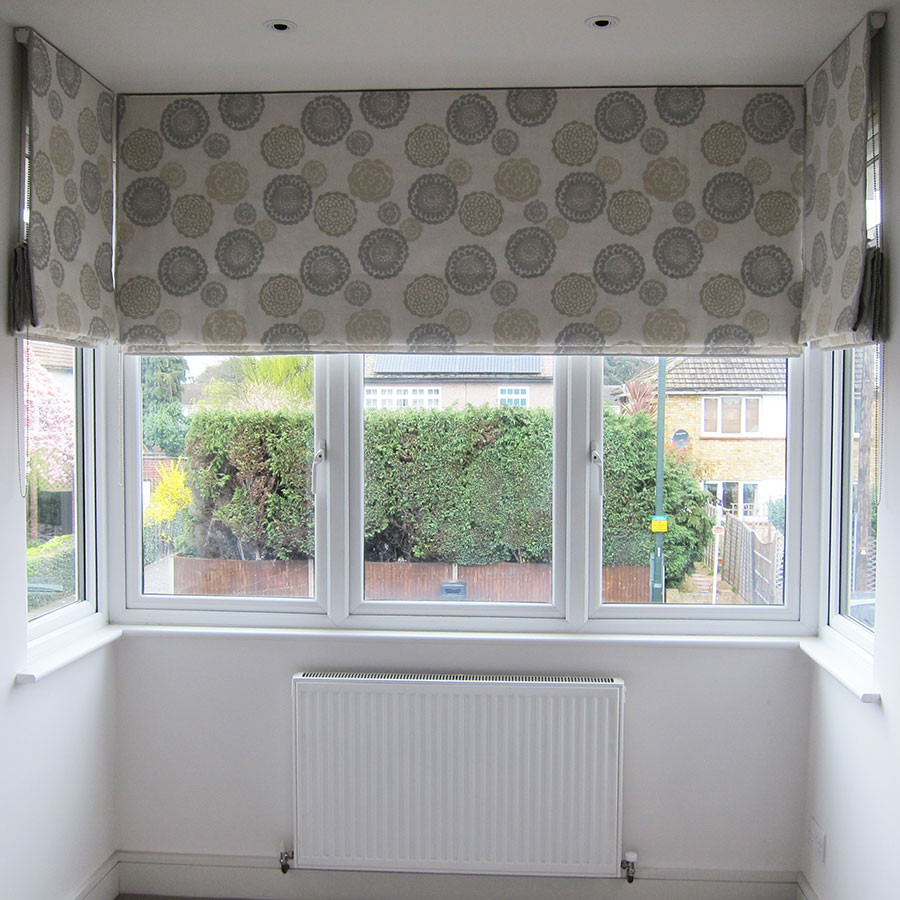roman-blinds-in-a-square-bay-Galbraith-a