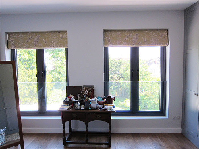 Roman-blinds-in-Lewis-and-Wood-Squawk-Ch