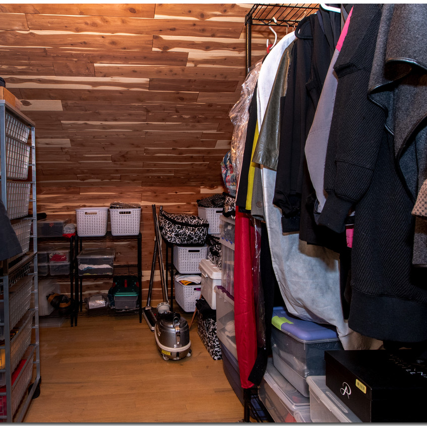 Walkin Cedar Closet