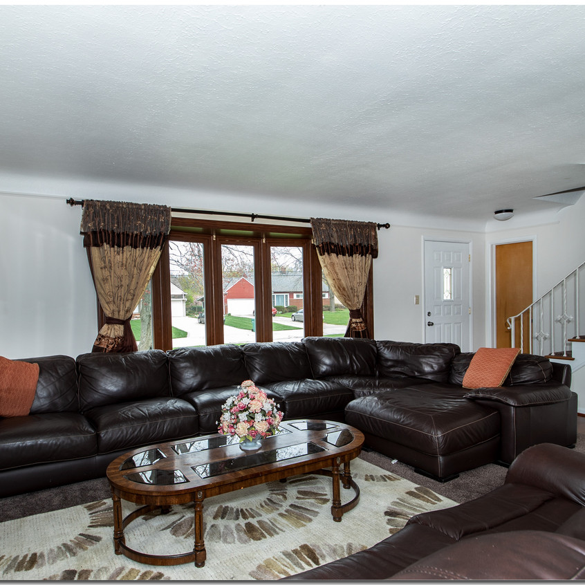 Living Room w/ bank of windows