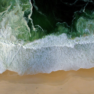 Foto aérea de una costa