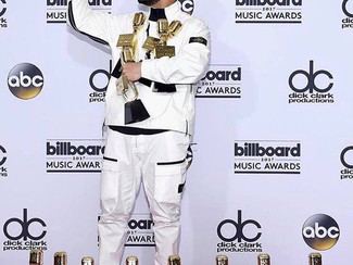 Drake cleans up at the 2017 Billboard Awards