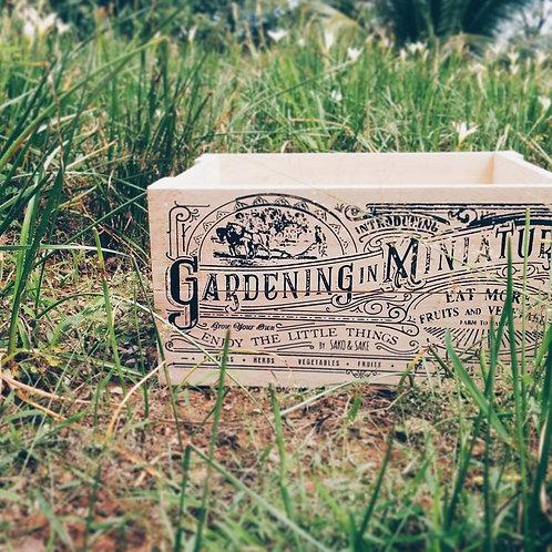 Crate M/ Gardening