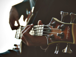 5 Best Guitars to buy under ₹ 5000/-
