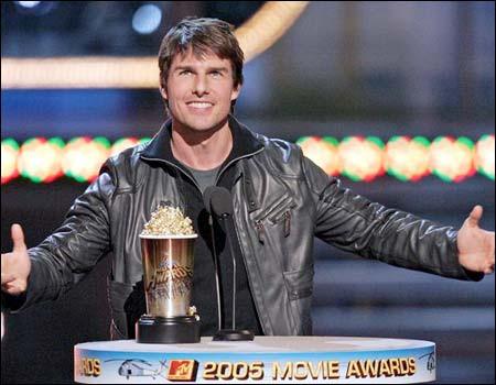 Tom Cruise receiving generation award