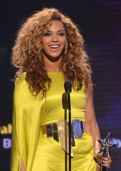 Beyonce receiving award