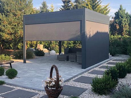 Sonnenschutz Terrasse mit Seitenmarkisen