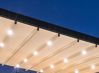 Sonnenschutz Terrasse mit LED-Licht