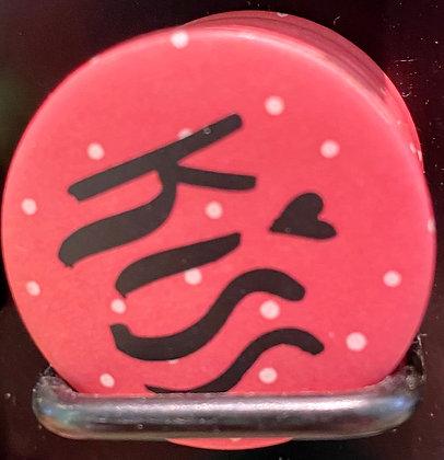 Badge magnetique magnet fun original photo instagram followers SKDéco skdecoshop skdeco kiss baiser embrasse
