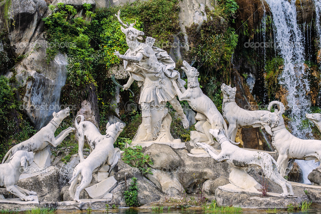 depositphotos_53514113-Atteone-sculpture-in-caserta-royal