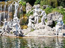 Caserta-Parco-gruppo-scultoreo