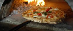 pizzeria-napoletana-originale-le-sorelle-bandiera-napoli