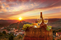 chianti-wine-grapes-barrel-sunset