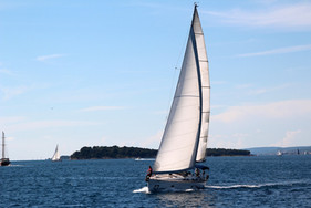 sailing-vessel-1473316_1920.jpg
