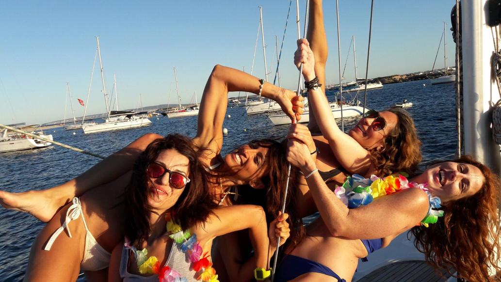 Fiesta en cubierta _ Totavela