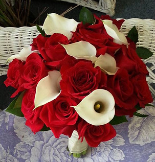 red roses white calla bouquet.jpg