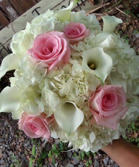 wedding flower cost