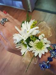 daisy corsage.jpg