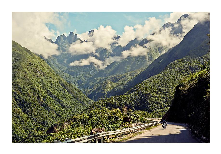 Sapa.  Road to Lai Chau