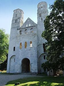 899px-Abbaye_de_Jumièges04.jpg
