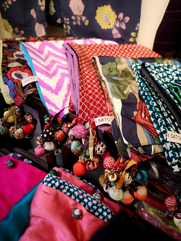 Foulard en soie par Mayumi Sato