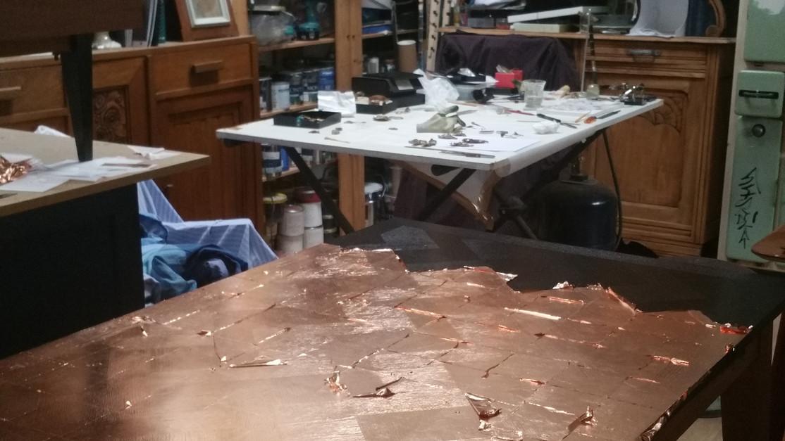 Table - pose de la feuille de cuivre