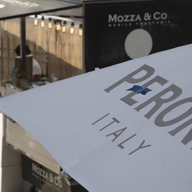 Eléments brandés chez Mozza & Co