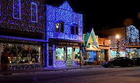Main_Street_Lights_2.jpg