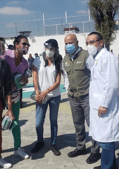 Organizaciones entregando máscaras