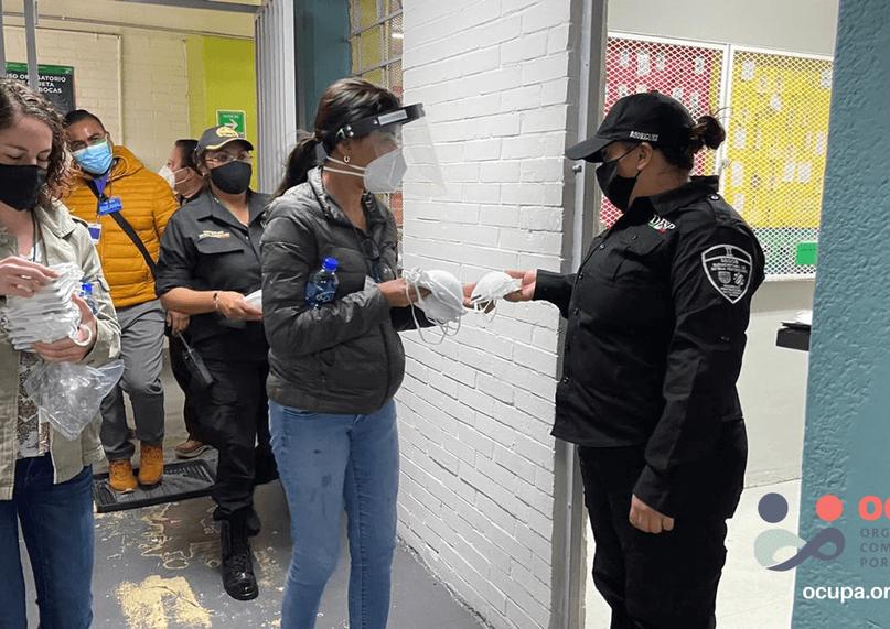 Máscaras al personal de seguridad