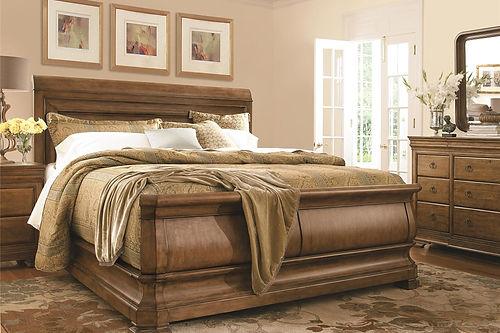 Louie P's Sleigh Bed 07175B - 07176B.jpg