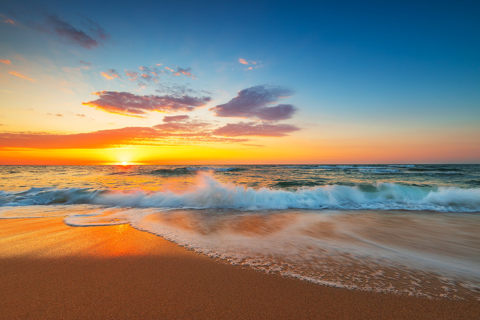 Beautiful cloudscape over the sea, sunrise shot_.jpg