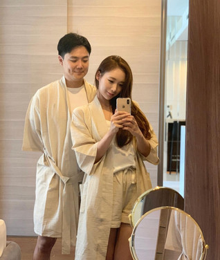 WlW Seersucker Beige Robe Couple Set.jpg