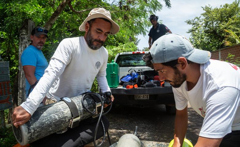 """Trabajo de campo en la Villa Rica, Veracruz. Proyecto """"Arqueología Subacuática en la Villa Rica, tras los pasos de Hernán Cortés"""". Foto por Alberto Soto SAS/INAH"""