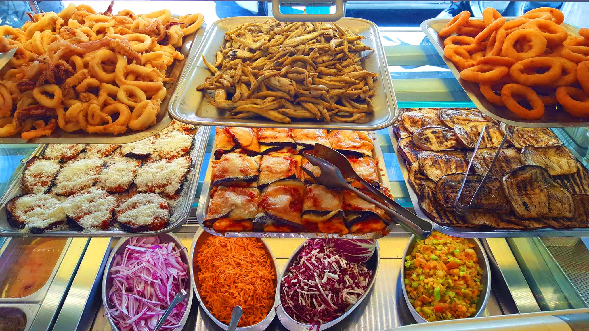 Fritto di pesce di verdure e ortaggi