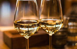 close-up-photography-of-wine-glasses-112