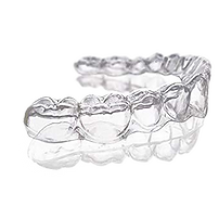 Clear aligner invisalign SLX Clearcorrect Candid